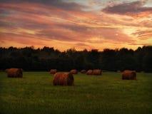 Salida del sol en el país Foto de archivo libre de regalías