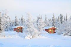 Salida del sol en el paisaje Suecia del invierno Imagenes de archivo