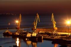 Salida del sol en el puerto de Odessa, Ucrania Foto de archivo