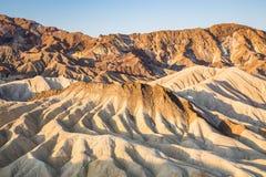 Salida del sol en el punto de Zabriskie en el parque nacional de Death Valley, California, los E.E.U.U. Foto de archivo libre de regalías