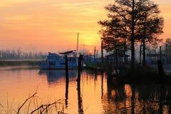 salida del sol en el río Imagen de archivo libre de regalías