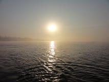 Salida del sol en el río Chanab Foto de archivo libre de regalías
