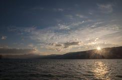 Salida del sol en el río Danubio Fotos de archivo libres de regalías