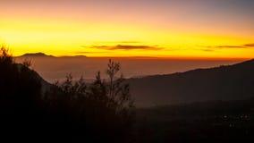 Salida del sol en el soporte Bromo del volcán Imagen de archivo libre de regalías