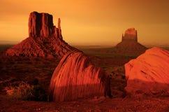 Salida del sol en el valle del monumento Imagen de archivo