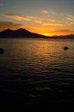 Salida del sol en el Vesuvio Foto de archivo