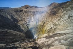 Salida del sol en el volc?n Mt Bromo Gunung Bromo Java Oriental, Indonesia imagen de archivo libre de regalías