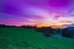 Salida del sol en Fuessen, Baviera, Alemania Imágenes de archivo libres de regalías