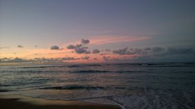 Salida del sol en Hawaii imagenes de archivo