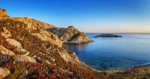 Salida del sol en Isula Rossa Foto de archivo
