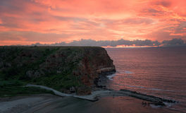 Salida del sol en la bahía de Bolata Fotos de archivo libres de regalías