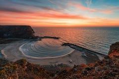Salida del sol en la bahía de Bolata, Bulgaria Fotografía de archivo libre de regalías
