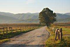 Salida del sol en la carretera nacional foto de archivo