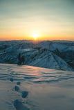 Salida del sol en la cima del Cherskogo máximo Imagen de archivo libre de regalías