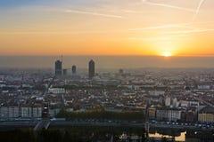 Salida del sol en la ciudad de Lyon, Francia, Europa Imagen de archivo