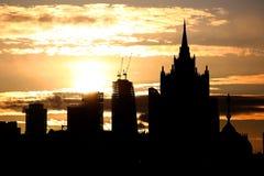 Salida del sol en la ciudad de Moscú Imágenes de archivo libres de regalías
