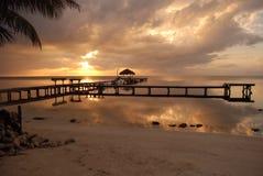 Salida del sol en la costa de Belice imágenes de archivo libres de regalías