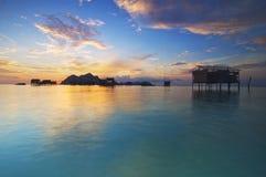 Salida del sol en la isla de Maiga foto de archivo libre de regalías