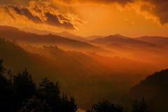 Salida del sol en la montaña Imágenes de archivo libres de regalías