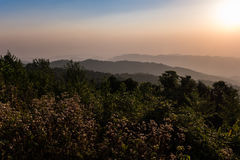 Salida del sol en la montaña Fotografía de archivo libre de regalías