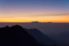 Salida del sol en la montaña de Bromo Fotos de archivo