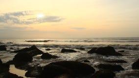 Salida del sol en la playa metrajes