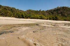 Salida del sol en la playa, Costa Rica Imágenes de archivo libres de regalías