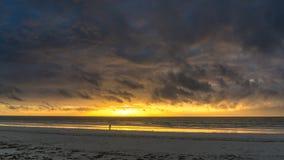 Salida del sol en la playa de Diani Fotografía de archivo libre de regalías