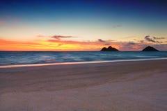 Salida del sol en la playa de Lanikai, imágenes de archivo libres de regalías
