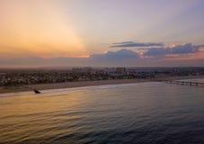 Salida del sol en la playa de Venecia en Los Ángeles Imágenes de archivo libres de regalías