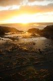 Salida del sol en la playa Hawaii de Halona Fotografía de archivo