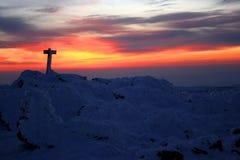 Salida del sol en la tapa de la cumbre Imagenes de archivo