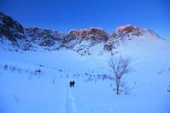 Salida del sol en las montañas Fotos de archivo libres de regalías