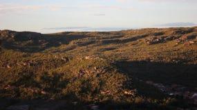 Salida del sol en las montañas Imagen de archivo