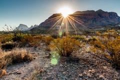 Salida del sol en las montañas de Chisos Fotografía de archivo