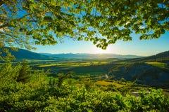 Salida del sol en las montañas de los Pirineos, España fotos de archivo libres de regalías