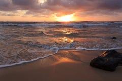 Salida del sol en Lihue Fotos de archivo libres de regalías