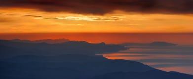 Salida del sol en montaña Imagen de archivo libre de regalías