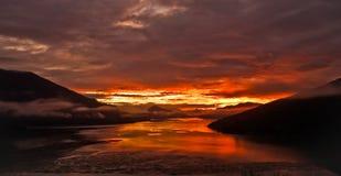 Salida del sol en montañas Imágenes de archivo libres de regalías