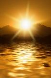 Salida del sol en montañas Fotos de archivo libres de regalías