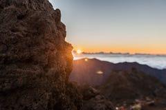 Salida del sol en montañas Fotografía de archivo