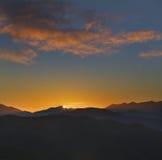 Salida del sol en Picos de Europa Imagen de archivo libre de regalías