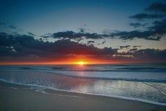 Salida del sol en Pinamar, la Argentina Foto de archivo libre de regalías