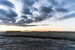 Salida del sol en plaines islandeses Imágenes de archivo libres de regalías