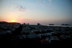 Salida del sol en Rio de Janeiro de Barra Foto de archivo