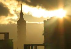 Salida del sol en Taipei, Taiwán, los 101 Foto de archivo libre de regalías