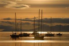 Salida del sol en Ushuaia, Suramérica, la Argentina Fotos de archivo