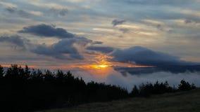 Salida del sol en Vitosha, Sofía, Bulgaria Imágenes de archivo libres de regalías