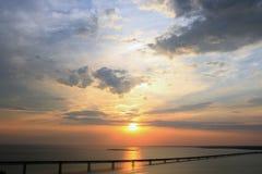 Salida del sol en Volga en Ulyanovsk Fotografía de archivo