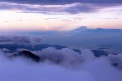 Salida del sol encima de la cumbre de mt Rinjani Imagen de archivo libre de regalías